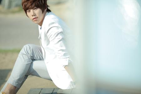 u_kiss-hoon-20120626-008-rita